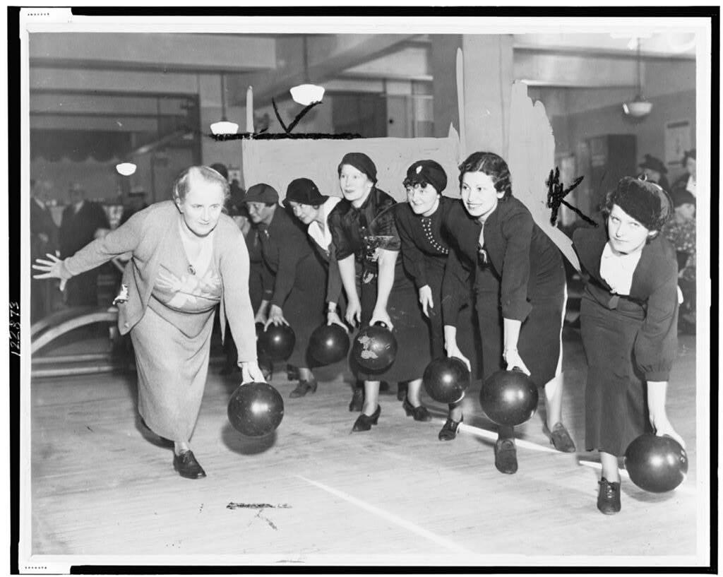 Начало игры – bowling crew