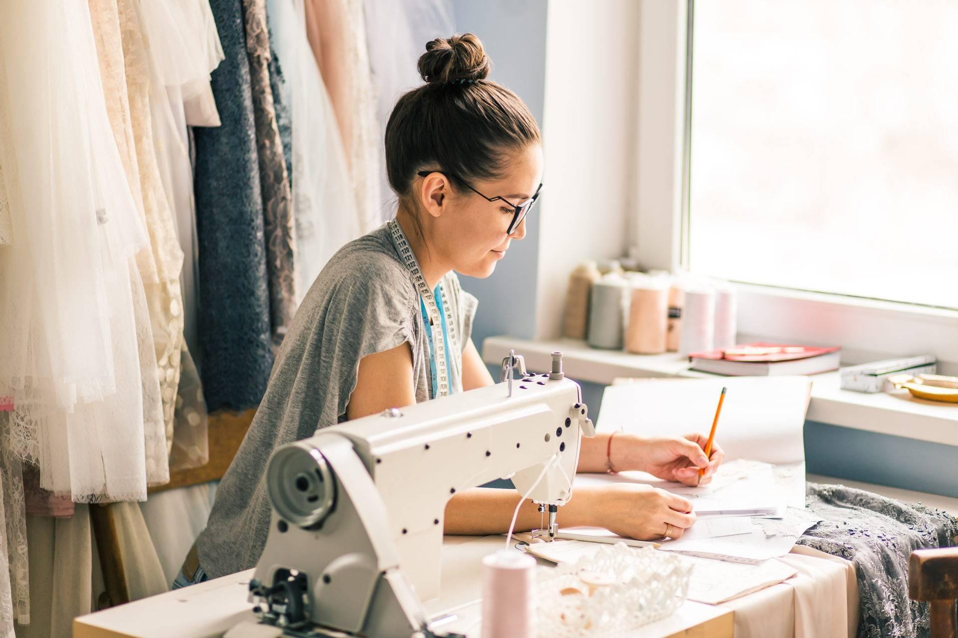 Как научиться шить и кроить с нуля: полное руководство + советы для начинающих