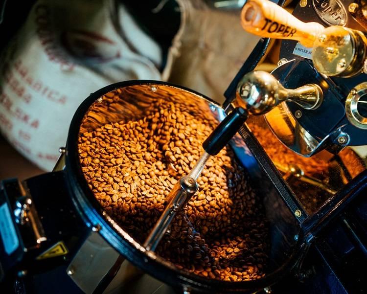 Профессиональные бариста рассказали, какой кофе лучше всего заказывать в кофейне