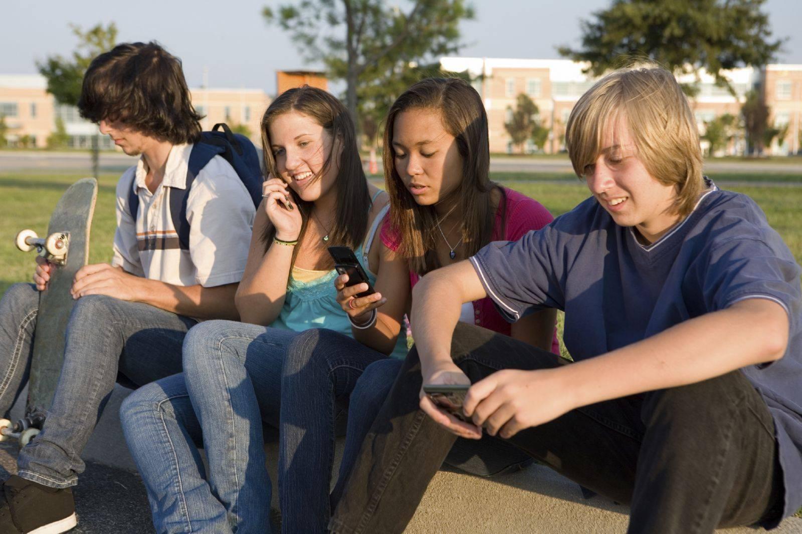 Чем увлечь подростка: полезные идеи, которые помогут заработать