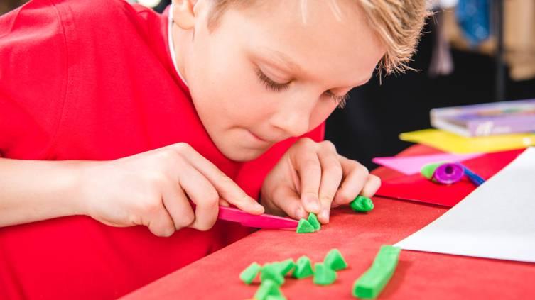 Поделки из пластилина для детей: пошаговый мастер-класс и обзор самых стильных поделок (135 фото)
