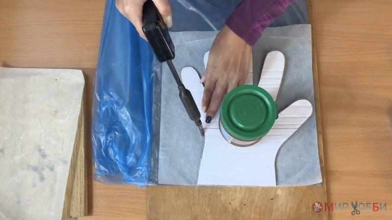 Простой способ изготовления одноразовых полиэтиленовых перчаток в домашних условиях
