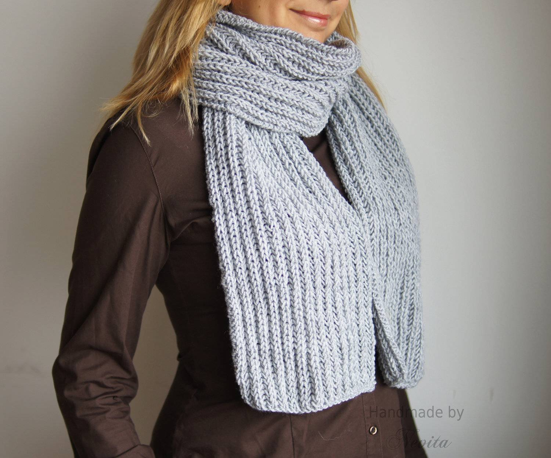 Как связать спицами шарф объемной резинкой